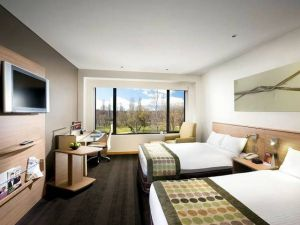 Crowne Plaza Canberra - Tourism TAS